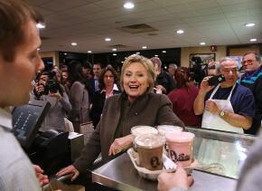 Hillary Clinton en un restaurant de New Hampshire