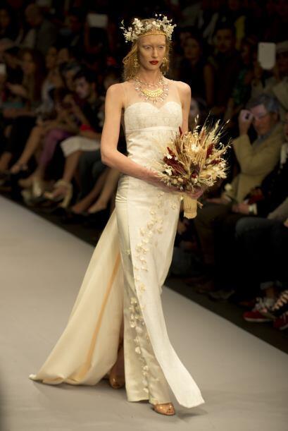 Estas son posibles propuestas para el diseño del vestido de la actriz pe...