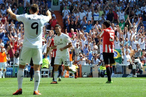 Isco aprovechaba la ayuda de Karim Benzema para firmar su segundo gol.
