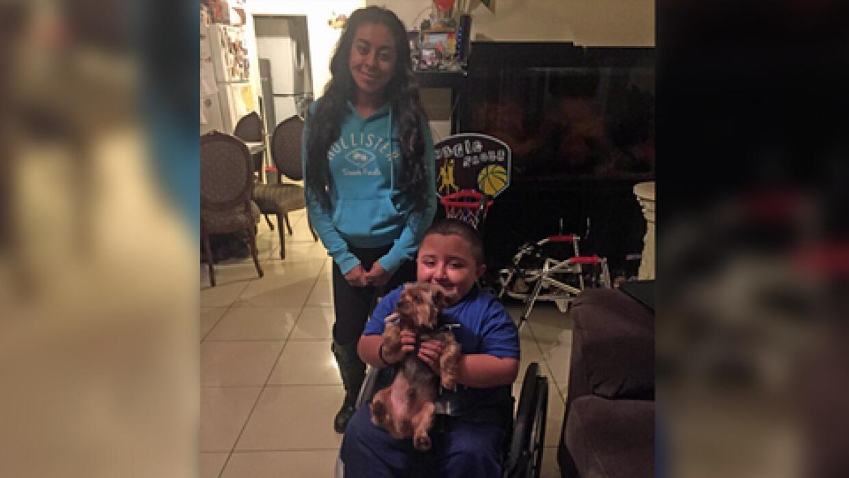 Kimberly regresó a Buddy con Juanito.