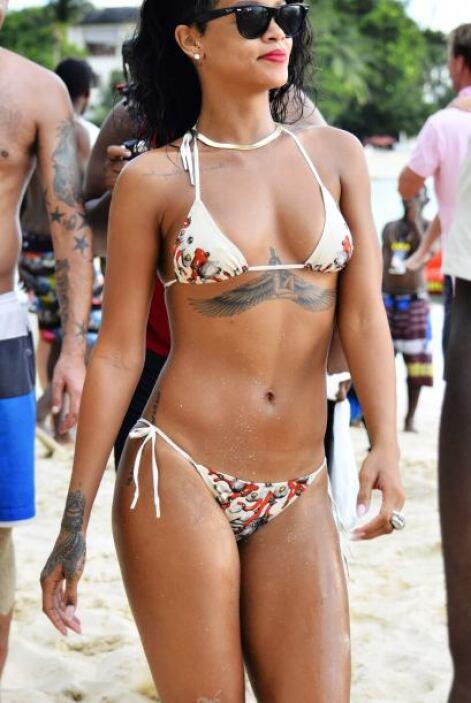 Rihanna nos dejó con la boca abierta. Mira aquí los videos más chismosos.