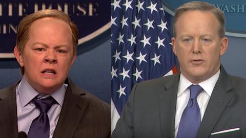 Al portavoz de prensa de la Casa Blanca, Sean Spicer (derecha) no pareci...