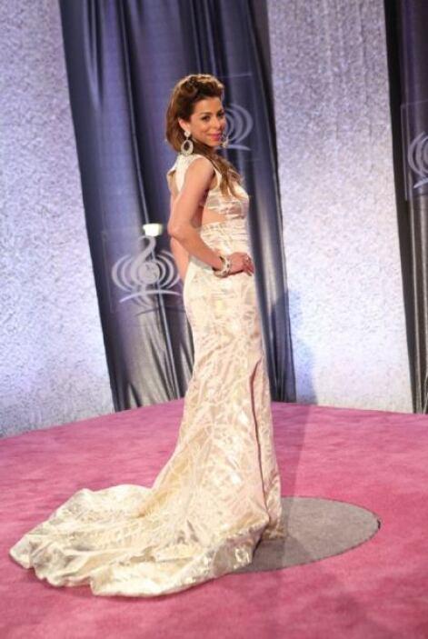 El vestido de Lourdes Stephen no es precisamente 'nude', pero optó por l...
