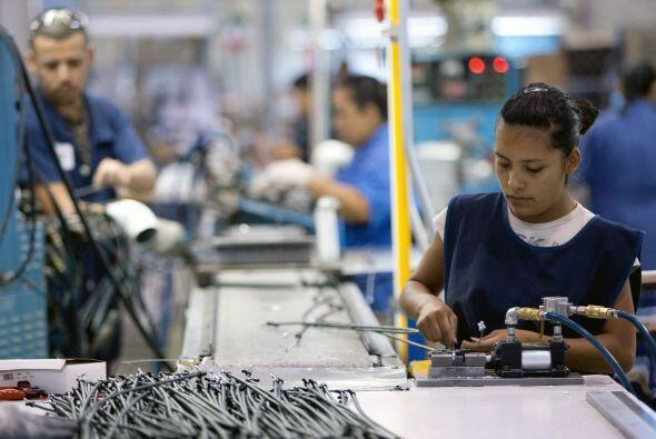 La economía también se ha visto severamente afectada. Cada vez son más l...
