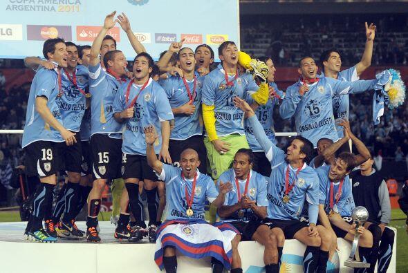 La Copa América 2011 dejó a Uruguay, Campeón, como la selección con más...