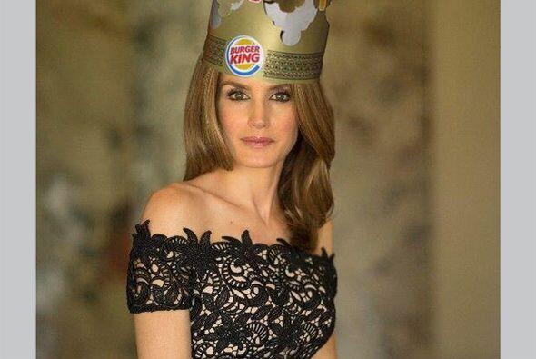 Aquí la vemos con una corona de una conocida cadena de hamburguesas. (Im...