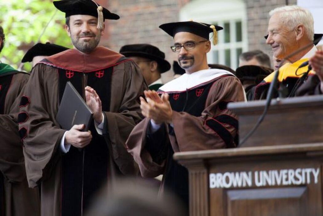 El actor y director Ben Affleck recibió un doctorado honorario en Artes...