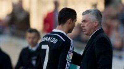 El técnico del Real Madrid defendió al jugador portugués de las críticas.
