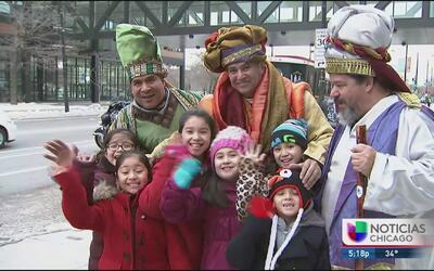 Celebran a los 3 Reyes Magos en Humboldt Park