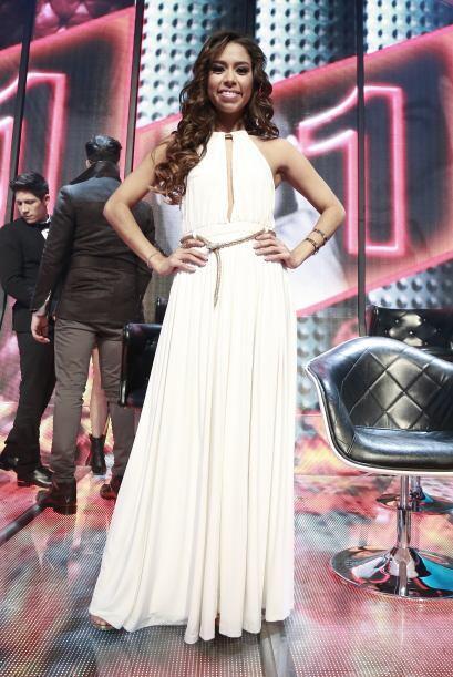 Virginia Stille, con un bello vestido blanco.