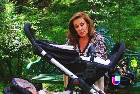 ¿Qué tiene planeado Lorenza? No le creemos que ama a sus nietos.