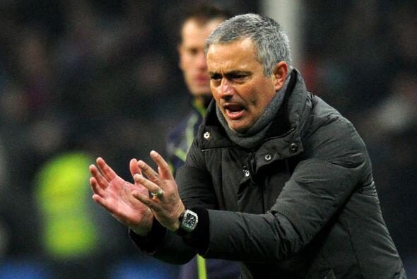 José Mourinho no se conformaba con la mínima ventaja y le...