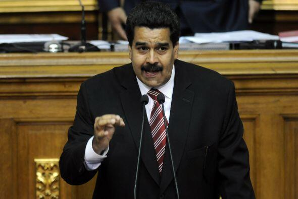 """Maduro consigue así los """"superpoderes"""" que demandó para llevar adelante..."""