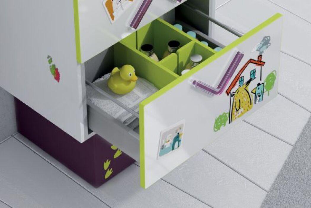 Además de ser un mueble de almacenamiento, la superficie del mueble del...