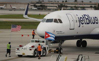 Así recibieron en Cuba al primer vuelo comercial de EEUU en más de 50 años