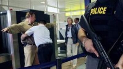 Incrementan seguridad en LAX tras atentado fallido en vuelo rumbo a Detr...
