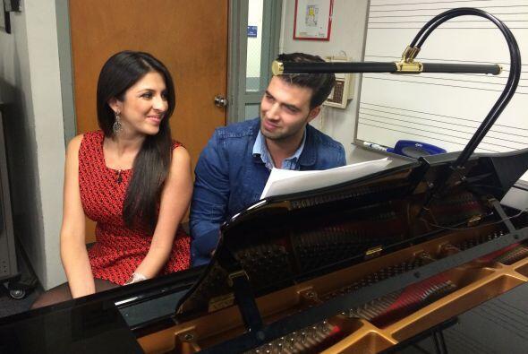 Maity aprovechó la entrevista con Jencarlos Canela para conocer la escue...