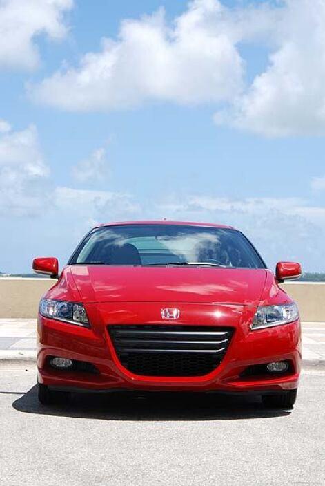 El modelo 2011 marca el renacer de la línea CR-Z luego de muchos años de...