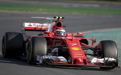 El alemán mostró las armas de Ferrari para esta temporada.