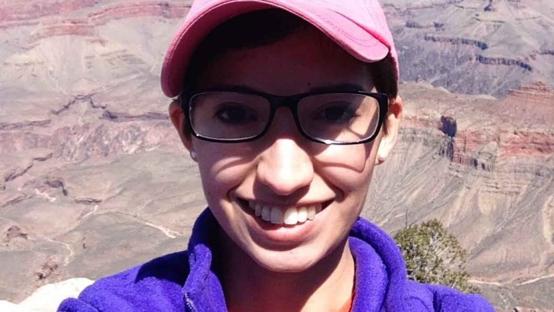 Diana Zacarías, una joven latina de 22 años de edad, originaria de Lousi...