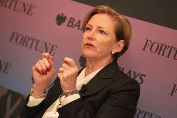 5.Ellen Kullman.  La plaza número 5 es para la CEO de DuPont, Ellen Kull...