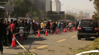 Al menos un muerto y ocho heridos dejó la explosión de una serie de bomb...