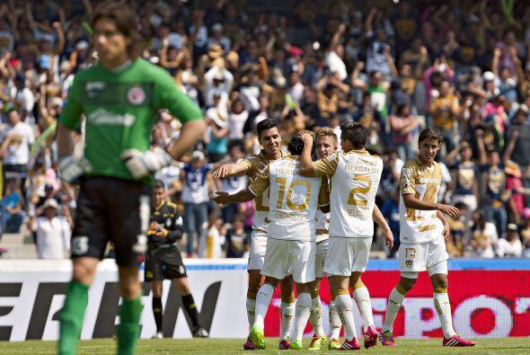 Apelando a las bondades del futbol mexicano, los Pumas pasaron en s&oacu...