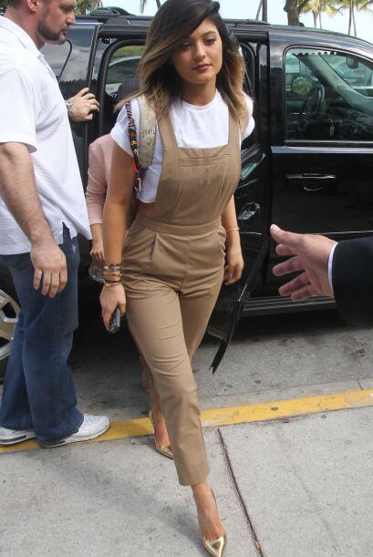 Las hermanas Kardashian llegaron a Miami.  Mira aquí los videos m...