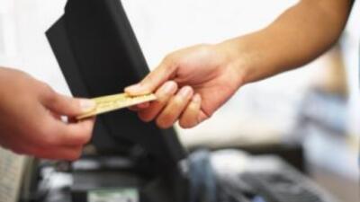 Comprar la despensa o pagar una comida a crédito es una pésima práctica...