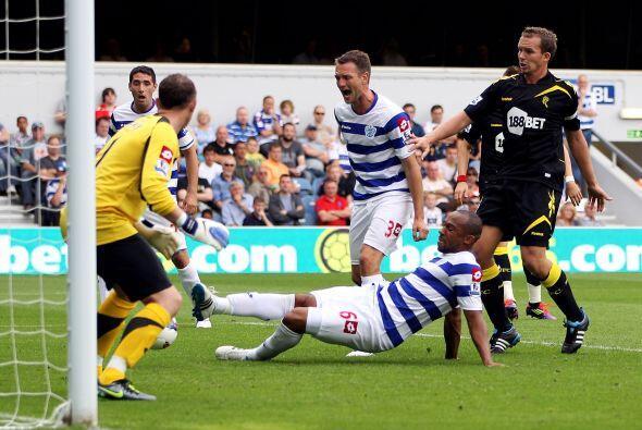 Danny Gabbidon, del Queens Park Rangers, convirtió un gol...pero...