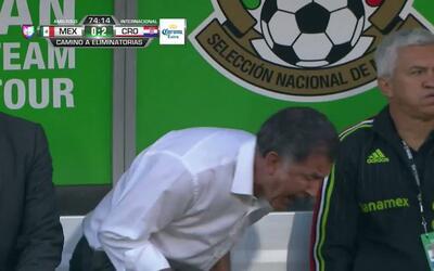 Jakov Filipovic despeja el balón y aleja el peligro