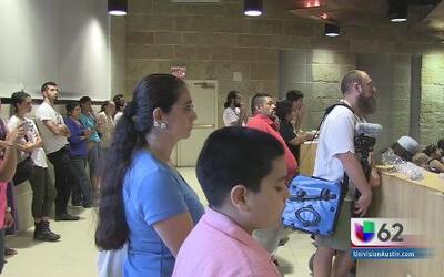 Residentes de Austin se unen para evitar beneficios monetarios que ayude...