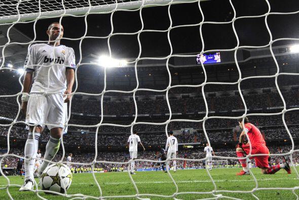 Los goles no pararon ahí y al minuto 85 un error en defensa significó ot...