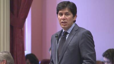 Senadores de California presentan propuestas a favor de los inmigrantes