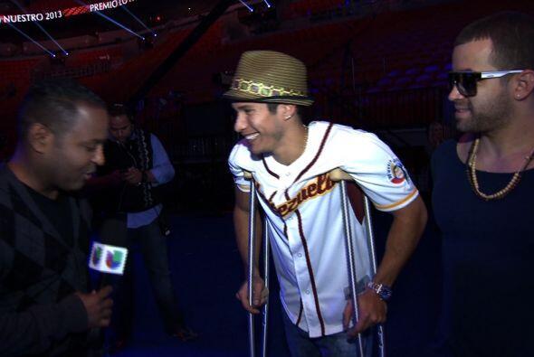 Tony Dandrades entrevistando a Chino.