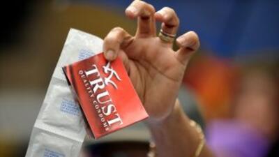 Se busca evitar la propagación del virus del sida. Su aprobación se debe...