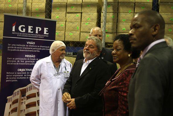 Lula también inauguró la primera fábrica de medicam...