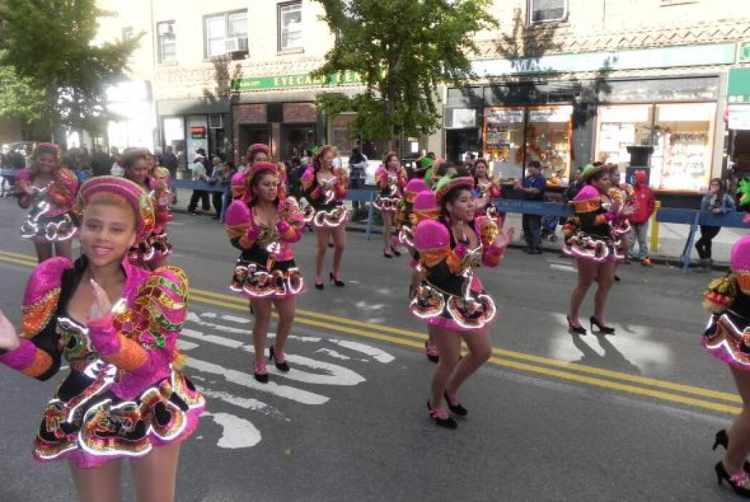 Primer desfile Boliviano de Nueva York 96fc529f6ef94a78aa950dc2be4fb25b.jpg