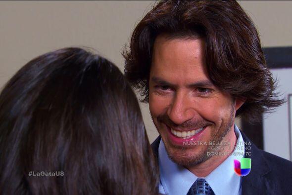 ¿Reconoces a este hombre? ¿Alguna vez lo has visto? Esa sonrisa que tien...