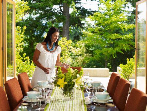 La decoración de la mesa: Es muy importante cuidar cada detalle de la ce...