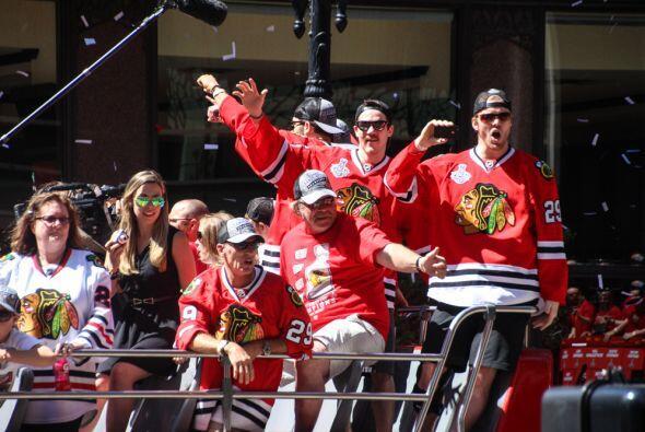 Todo es fiesta en Chicago por la victoria de los Blackhawks