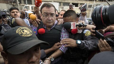 Javier Duarte llegando a su primera audiencia en Guatemala.