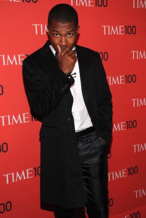 Frank Ocean se ha destacado en el mundo de la música por su estilo al ca...