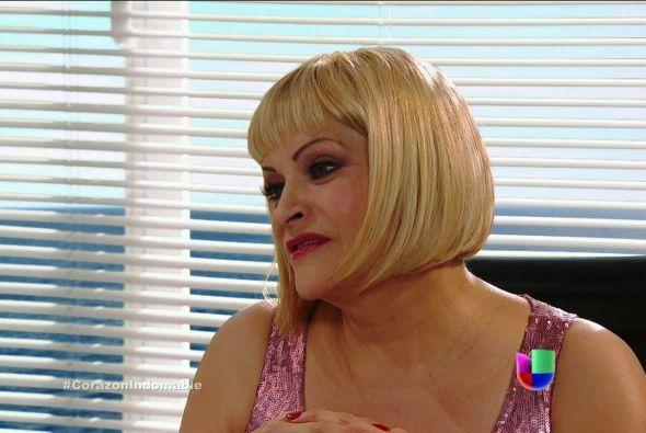 Carola reta a María Alejandra, pues muy pronto se demostrará que no es h...