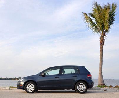 Volkswagen GolfPara quienes buscan algo más divertido está el Golf...
