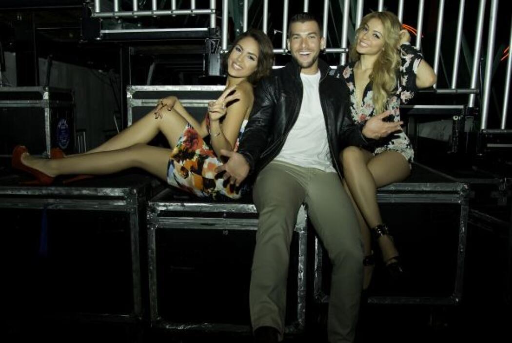 Carlos McConnie estaba bien acompañado de Josephine y Nabila.