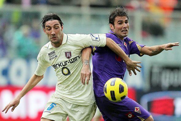La Fiorentina se vio las caras con el Chievo Verona, un equipo con un fl...