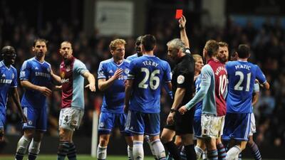 El equipo de Jose Mourinho no pudieron mantener la ventaja en la tabla s...