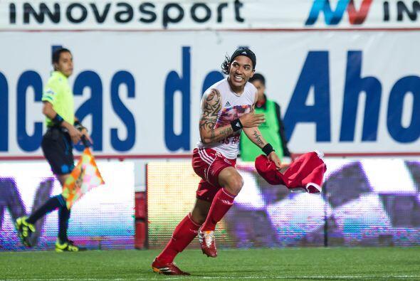En el caso del delantero de Xolos Moreno comenzó con paso firme marcando...
