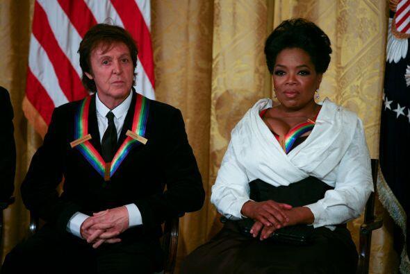 En diciembre de 2010 recibió otro honor de Obama, junto a Paul Mc...